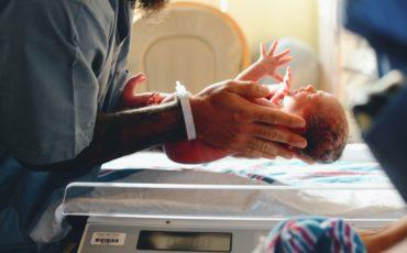 Prématuré 6 mois : nos retours sur cette naissance incroyable